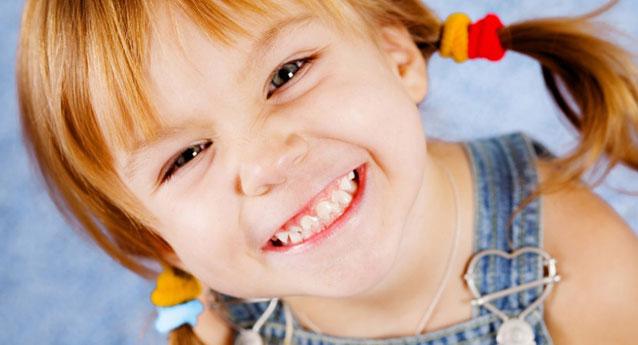10 ιδέες για να μάθετε στο παιδί σας να βουρτσίζει τα δόντια του!